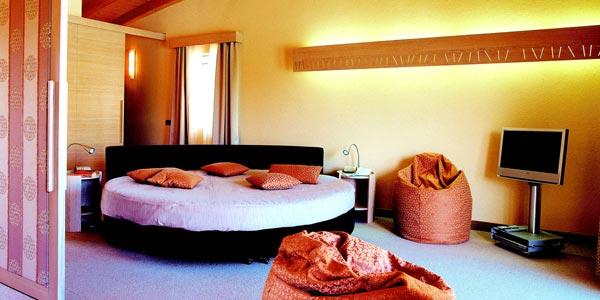 ferien am gardasee hotels gardasee ferienwohnungen unterkunft camping pensionen und zimmer. Black Bedroom Furniture Sets. Home Design Ideas